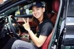 Hoài Lâm rạng rỡ khoe xe hơi gần 2 tỷ đồng mới mua