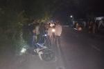 Xe máy đối đầu trong đêm, 3 người thương vong