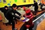 Độc đáo nhà hàng robot ở Trung Quốc