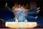 Ảnh quốc tế 26/7: Kì ảo vận động viên thể dục dụng cụ