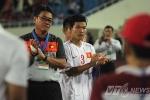 U19 Việt Nam xếp hàng, vỗ tay chúc mừng U19 Nhật Bản