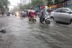Ảnh: Nhiều tuyến đường ở TP.HCM lại ngập nặng sau cơn mưa lớn