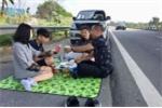 Tài xế mở tiệc trên cao tốc bị phạt bao nhiêu tiền?