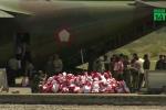 Indonesia khẩn cấp chuyển hàng cứu trợ, di tản người sống sót