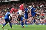 Clip: Smalling đánh đầu tung lưới Leicester City