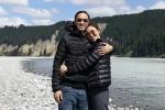 Tăng Thanh Hà diện áo đôi, hạnh phúc đi du lịch cùng chồng đầu năm