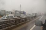 Mưa cực lớn, phố Hà Nội ngập sâu, hàng ngàn ô tô chôn chân trên đường vành đai 3