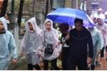 Hàng vạn du khách vất vả đội mưa dự lễ khai hội chùa Hương 2018