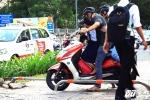 Barie trên vỉa hè ở Sài Gòn bị 'vô hiệu hóa': Phó chủ tịch TP.HCM yêu cầu thay đổi cách lắp