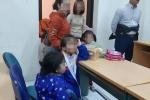 400 trẻ từng ăn 'thịt bẩn, gà thối' ở trường mầm non Bắc Ninh đi xét nghiệm bệnh