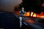 Thủ đô Hy Lạp rực lửa, ít nhất 24 người chết và hàng trăm người bị thương do cháy rừng