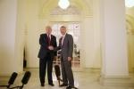 Tổng thống Trump họp kín với Thủ tướng Lý Hiển Long