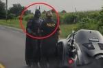 Clip: 'Người Dơi' chạy siêu xe quá tốc độ, bị cảnh sát tuýt còi