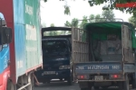 Xe tải ùn ùn trốn trạm BOT tấn công đường làng: Dân bức xúc tột cùng