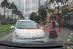Clip: Nữ tài xế đi ngược chiều quyết đối đầu xe đúng luật và cái kết đắng