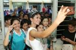 Hoa hậu H'Hen Niê: Mong người dân rước mình bằng xe công nông