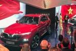 Clip: Khoảnh khắc bộ đôi ô tô VinFast chính thức bước ra 'chào sân'