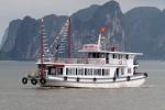 Du khách bị 'chém' bữa cơm 9 triệu đồng trên vịnh Hạ Long: 2 tàu du lịch và thuyền viên bị 'cấm cửa'