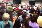 Hàng trăm người bao vây, đánh đập một phụ nữ nghi thôi miên lừa tiền