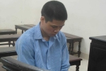 Nam thanh niên Trung Quốc dí dao vào cổ nữ xe ôm cướp tài sản