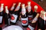 Bán chai bia chỉ có 1/4 lượng chất lỏng kèm theo mùi hôi nồng nặc, Sabeco bị khởi kiện