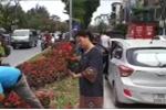Những kẻ 'hôi' hoa làm gì có tư cách mà chơi hoa