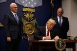 Ông Trump ký lệnh cấm người tị nạn và Hồi giáo nhập cư vào Mỹ