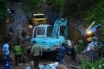Sụp hầm lò ở Quảng Ninh: Một công nhân bị mắc kẹt