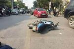 Ngã xuống đường sau va chạm xe buýt, người đàn ông đi xe máy bị cán chết