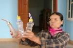 Người vợ nhốt chồng suốt hơn 3 năm trong lồng sắt: 'Ông ấy tự nguyện'