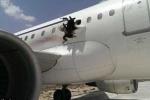 Máy bay Airbus chở hàng trăm khách nổ thủng thân giữa trời