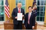 Tổng thống Donald Trump chào mừng Đại sứ Hà Kim Ngọc nhận nhiệm vụ tại Washington D.C