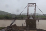 Cận cảnh sập mố cầu treo ở Đắk Lắk khiến hơn 1.000 hộ dân bị cô lập