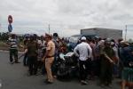 Xe mô tô phân khối lớn tông vào xe tải, 2 người thương vong