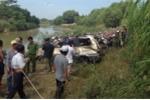 Thi thể tài xế cùng ôtô chìm dưới đáy sông La Ngà