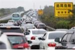 Trung Quốc cấm xe ô tô chạy xăng và dầu Diesel