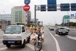 Đang chốt chặn truy bắt xe tải 36C-02492 phóng ngược chiều như bay trên cao tốc Nhật Tân - Nội Bài