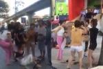 Khởi tố 4 phụ nữ lột đồ, đánh ghen trước siêu thị Big C