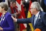 Video: Đang trả lời phỏng vấn, Thủ tướng Anh bị Chủ tịch ủy ban EU ngắt lời