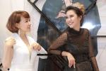 Theo chân Hoa hậu Trái đất Angelia Ong chọn đầm dạ hội khi sang Việt  Nam