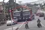 Clip: 2 xe ben coi thường mạng người, đua tốc độ kinh hoàng trên phố Đồng Nai