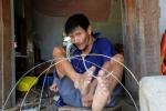 Người đàn ông chết đi sống lại 6 lần trong một đêm, đan lồng chim bằng chân ở Hà Tĩnh