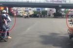 Clip: Xe máy kẹp ba không mũ bảo hiểm 'lặng lẽ' lùi sau xe CSGT