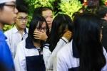 Hàng nghìn học sinh trào nước mắt tiễn thầy Văn Như Cương về với đất mẹ