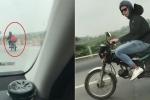 Clip: 2 thanh niên ngoại quốc 'hồn nhiên' chạy xe máy trên cao tốc Pháp Vân - Cầu Giẽ