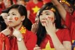 U19 Việt Nam bại trận, nữ CĐV khóc rấm rứt