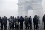 Pháp sẽ triển khai xe bọc thép và 89.000 cảnh sát để đối phó biểu tình quy mô lớn
