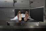 Ba bác sỹ cùng kết luận bị chết, tù nhân vẫn sống lại trong nhà lạnh