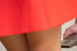 Chụp lén dưới váy phụ nữ bị khép tội hình sự, phạt tù 2 năm