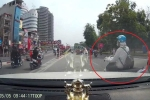 Những tình huống giao thông bi hài của các nữ 'ninja' đường phố năm 2016